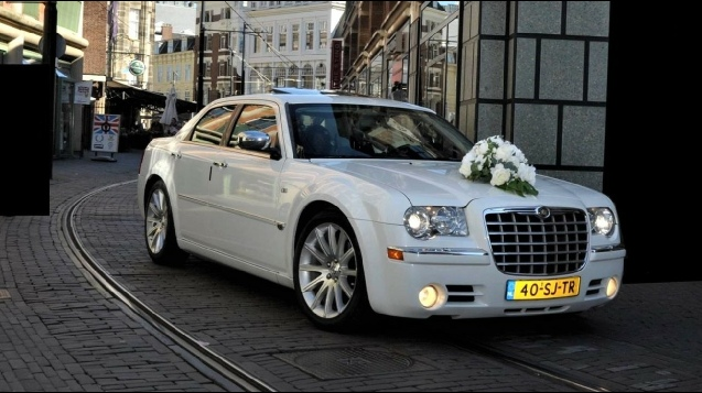 Chrysler 300c trouwauto huren